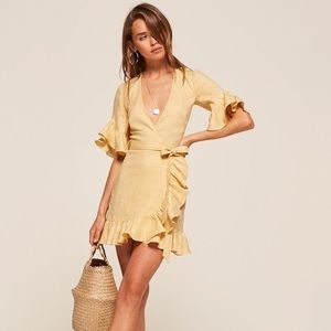 Reformation Kelsey dress is buttercup Small